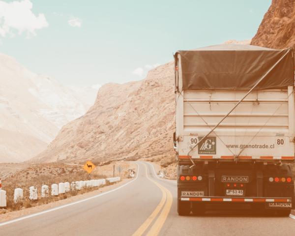 Receba mais cotações de frete para sua transportadora usando a internet