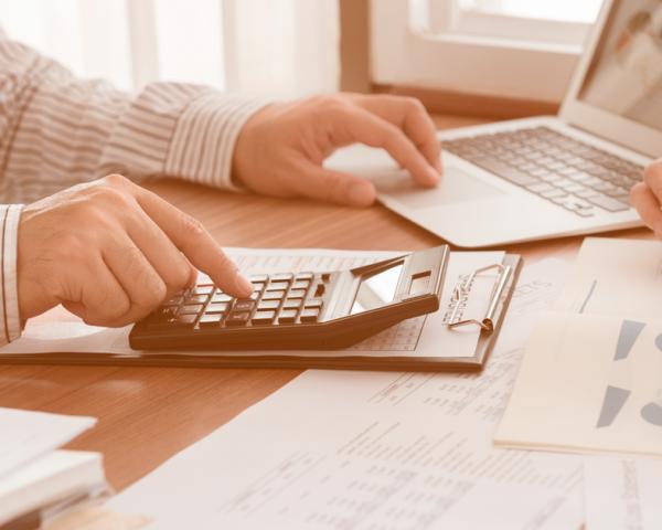 Como fazer auditoria de frete e reduzir custos com contratação de transportadoras?